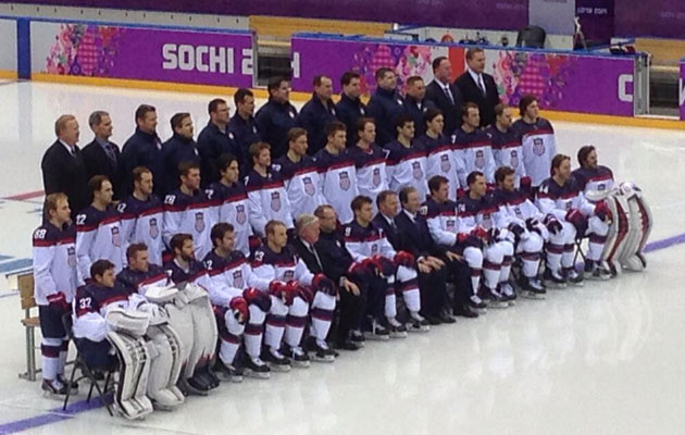 Team USA poses for its team picture. (USA Hockey Magazine)