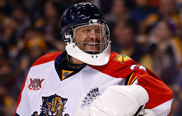 Tim Thomas cracked himself up with his joke. (Getty Images)