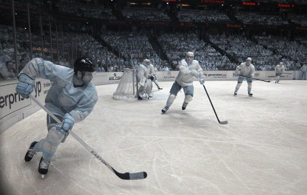 The Ducks and Capitals battle in infrared. (Getty Images)