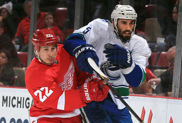 Detroit win the first two meetings with the Canucks this season. (Getty Images)