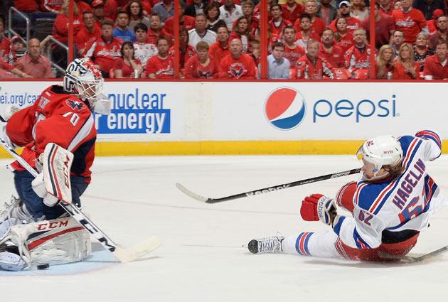 New York's offense keeps falling flat in Washington. (Getty Images)