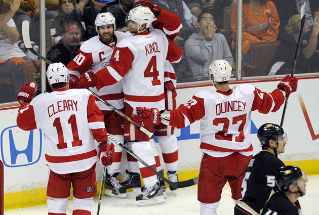 Zetterberg celebrates his early goal in Game 7. (USATSI)