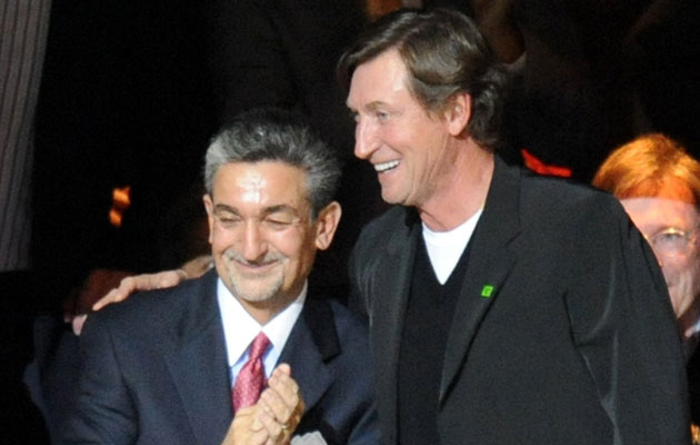 Ted Leonsis and Wayne Gretzky are already familiar with one another. (Getty Images)