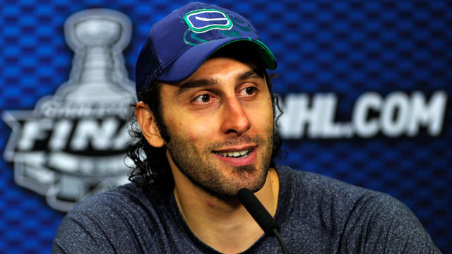 Report Roberto Luongo Looking For A Return To Florida Cbssports Com