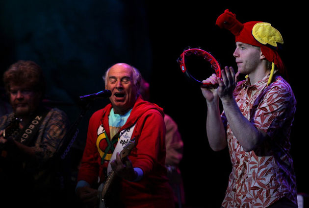 PHOTO: Parrothead Patrick Kane takes Cup to Jimmy Buffett concert