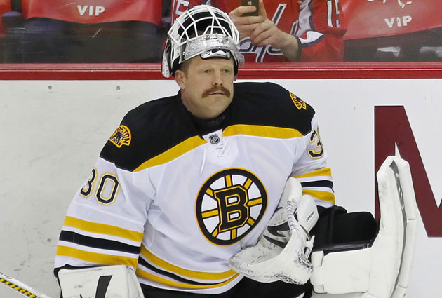 Tim Thomas sat out last season and had his contract traded to the Isles. (USATSI)