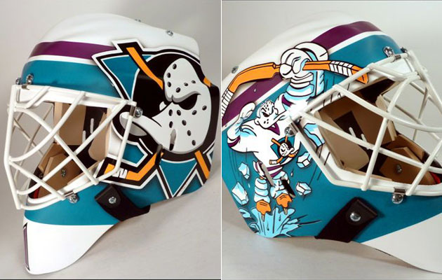 Hiller's mask for the throwback game(s). (Goalie Guild/AirXess)