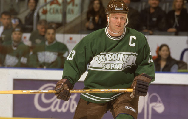 Mats Sundin wears a retro Toronto St. Pats uniform. (Getty Images)