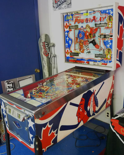Photos: Awesome Bobby Orr pinball machine - CBSSports.com