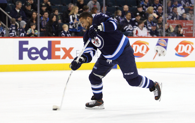 Dustin Byfuglien isn't the reason the Winnipeg Jets stink. (USATSI)