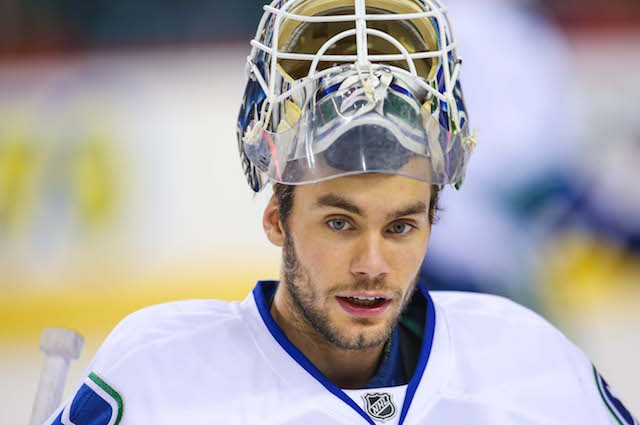 Look Eddie Lack S New Mask Has Picture Of Roberto Luongo S Face
