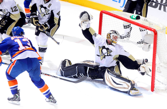 Tomas Vokoun gets high marks for the Pittsburgh Penguins once again. (USATSI)