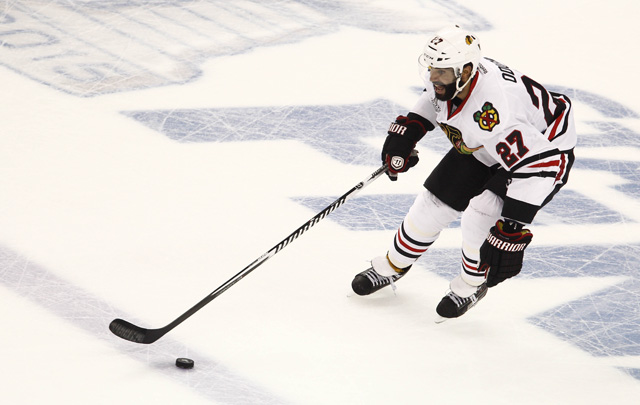 Johnny Oduya has informed the Blackhawks that he will not be re-signing, per reports. (USATSI)