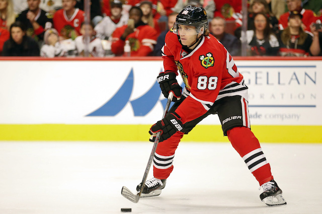 Patrick Kane extended his point streak to 25 games on Friday night. (USATSI)