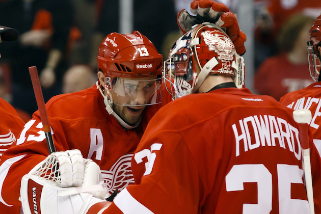 Jimmy Howard and Pavel Datsyuk are trying to keep the Detroit Red Wings playoff streak going. (USATSI)