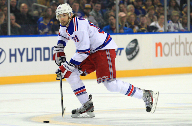 Is Rick Nash struggling or is he suffering from some bad luck against the Capitals? (USATSI)