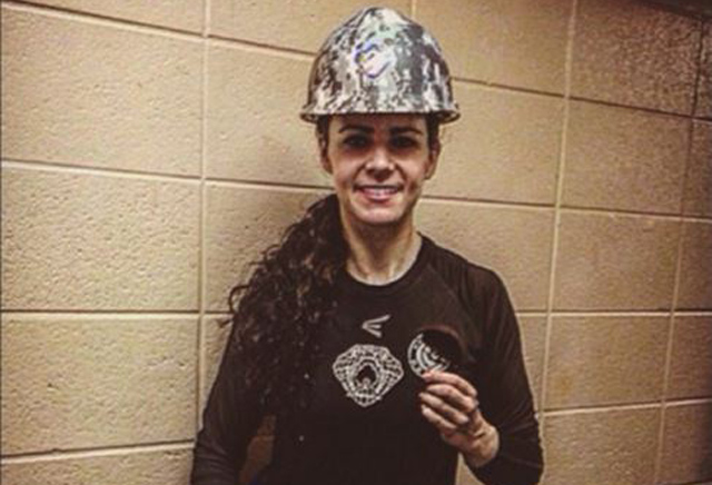 Shannon Szabados made hockey history Saturday night. (@ShannonSzabados)