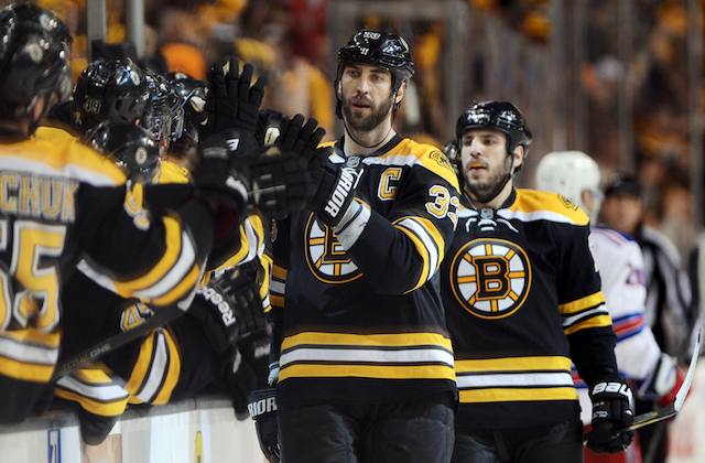 The Chicago Blackhawks are going to have to get through Zdeno Chara. (USATSI)