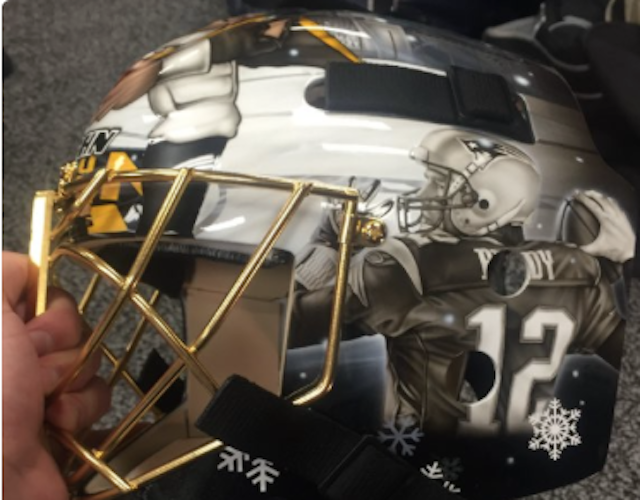 10d331109 Now that is a mask that is ready for the Winter Classic. ( NHLBruins