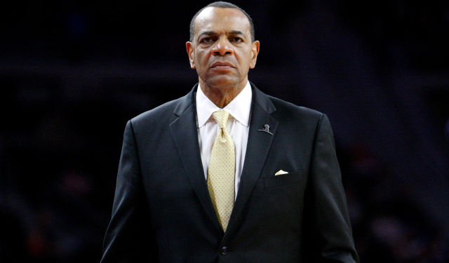 Lionel Hollins' personality reportedly bothered the Nets.  (USATSI)