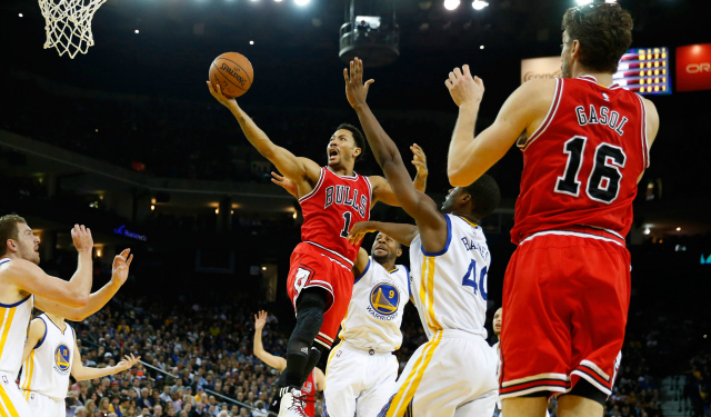 d38e191be63 Five-Star Review  Derrick Rose s Bulls take down the mighty Warriors ...