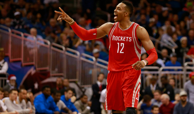 Rockets GM Daryl Morey defends decision to keep Dwight Howard