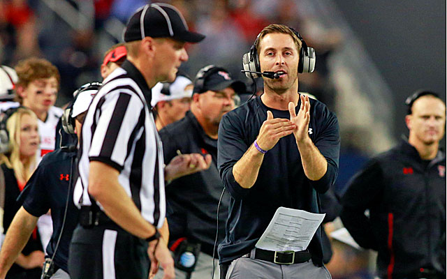 Kliff Kingsbury and his offense at Texas Tech ran an FBS-high 1,135 plays last season. (USATSI)