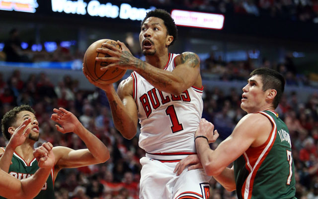 For at least a night, the old Derrick Rose returns to Chicago