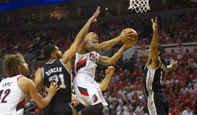 Damian Lillard delivers as Blazers stave off elimination