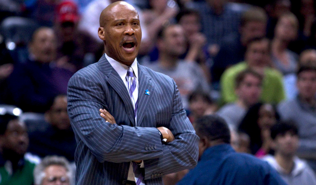 Byron Scott has Kobe's backing for the Lakers job. (USATSI)