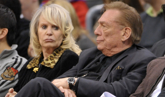 Donald Sterling reportedly would like to transfer Clippers ownership to his wife, Shelly.