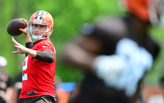 Veteran players don't care what a player like Johnny Manziel is doing as long as he can play. (USATSI)