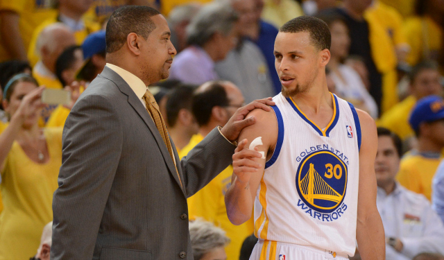 Stephen Curry disagrees with the Warriors' decision to fire Mark Jackson.