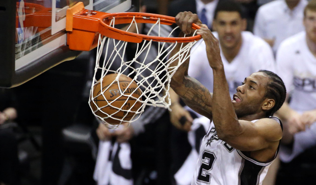 Kawhi Leonard dunks in the Spurs' Finals-clinching Game 5 win.