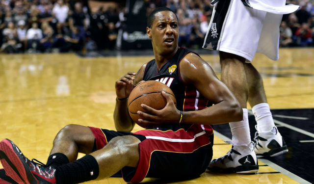Mario Chalmers is reportedly returning to Miami.