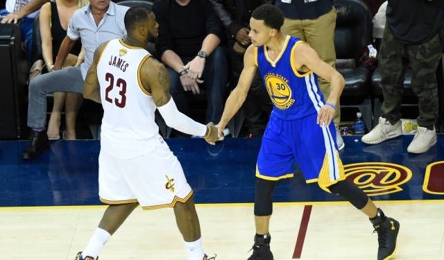 Report: Cavaliers will face Warriors in Oakland on Christmas Day