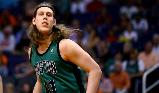 Kelly Olynyk isn't too worried after tweaking his wrist.  (USATSI)