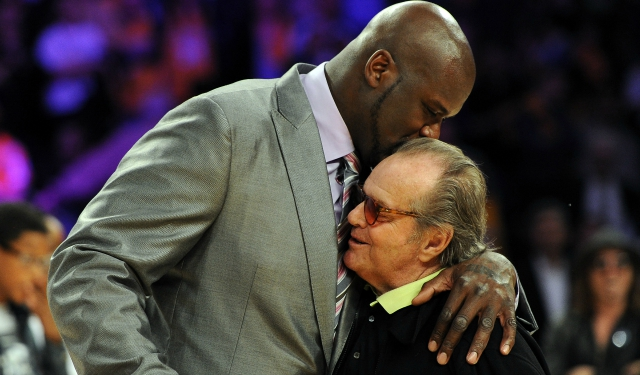 Shaquille O'Neal says hello to a Lakers fan.  (USATSI)