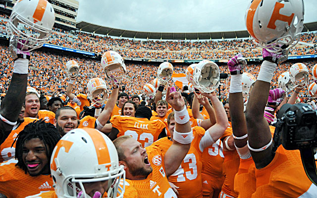 Tennessee players celebrate with fans after knocking off No. 11 South Carolina.  (USATSI)