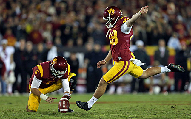 Andre Heidari kicks a 47-yard field goal with 19 seconds to play and seals USC's win. (Getty)