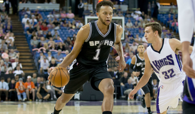 Kyle Anderson moves at his own pace.  (USATSI)