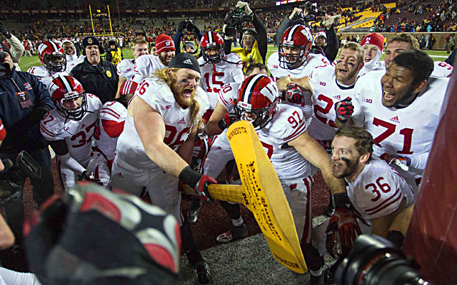 Wisconsin's Beau Allen swings the Paul Bunyon Axe after the Badgers beat Minnesota. (USATSI)
