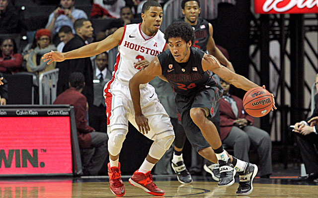 Josh Huestis (right) scores 13 points in Stanford's win against Jaaron Simmons and Houston. (USATSI)