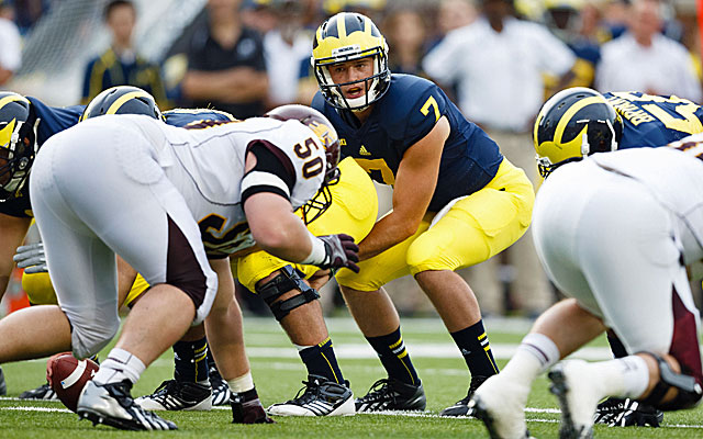 Expect Michigan quarterback Shane Morris to struggle against Kansas State tonight. (USATSI)