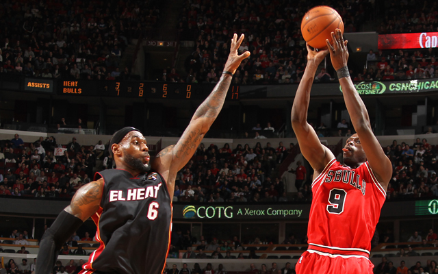 Luol Deng came up big to kill the streak.   (Getty Images)