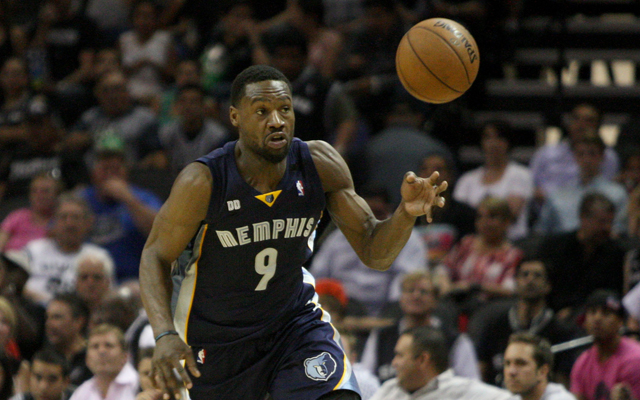 Tony Allen is staying with the Grizzlies. (USATSI)