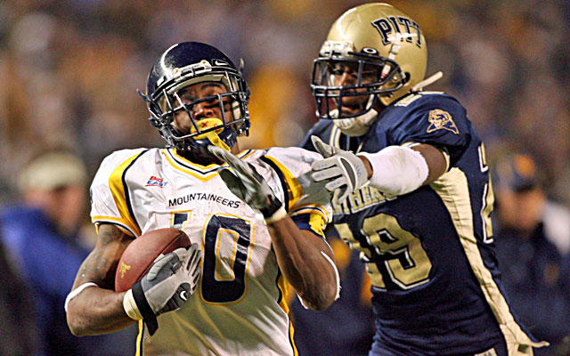 Tommie Campbell (right) played linebacker at Pitt and was teammates with Darrelle Revis. (USATSI)
