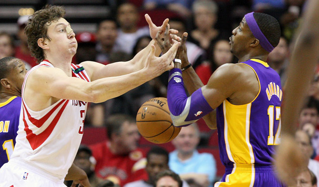 Can Howard and Asik join forces successfully?   (USATSI)