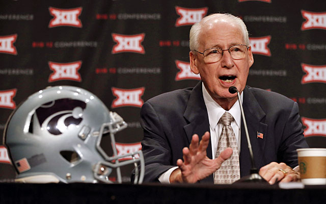 Bill Snyder, who has won 178 games in 22 seasons at Kansas State, isn't happy.  (USATSI)