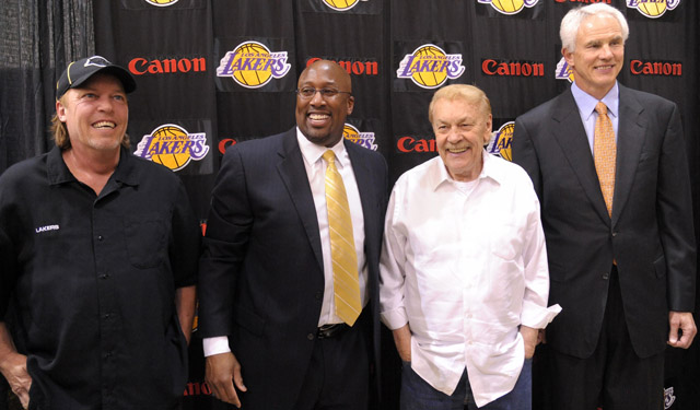 Could Dr. Jerry Buss (second from the right) have kept Dwight Howard from leaving? (USATSI)
